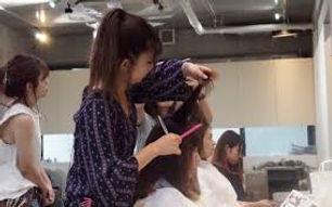 女性美容師2.jpg