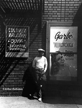Eddie_MItchell_colored_balcony_1940_©_Ro