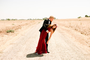 "WOLFGANG & HANNAH -""Dancing Upon the Desert"" - A Styled Portrait Session (Part 2)"