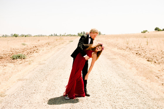 """WOLFGANG & HANNAH -""""Dancing Upon the Desert"""" - A Styled Portrait Session (Part 2)"""