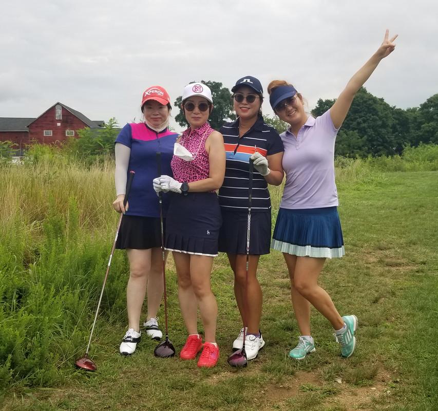 3 여성분과 친선 골프 라운딩