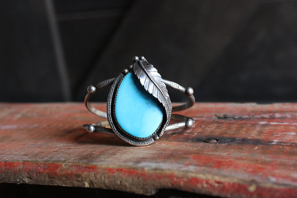Vintage Large Turquoise Stone Feather Cuff