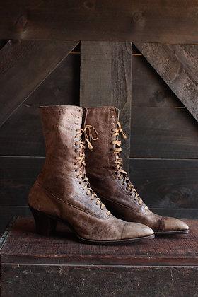 Antique Lace Up Boots - 5/6