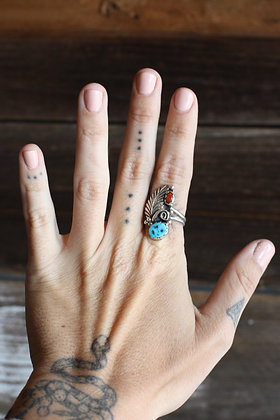 Vintage Stamped Coral & Turquoise Feather Ring   8.5