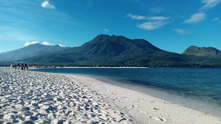 MANTIGUE WHITE SAND BEACH