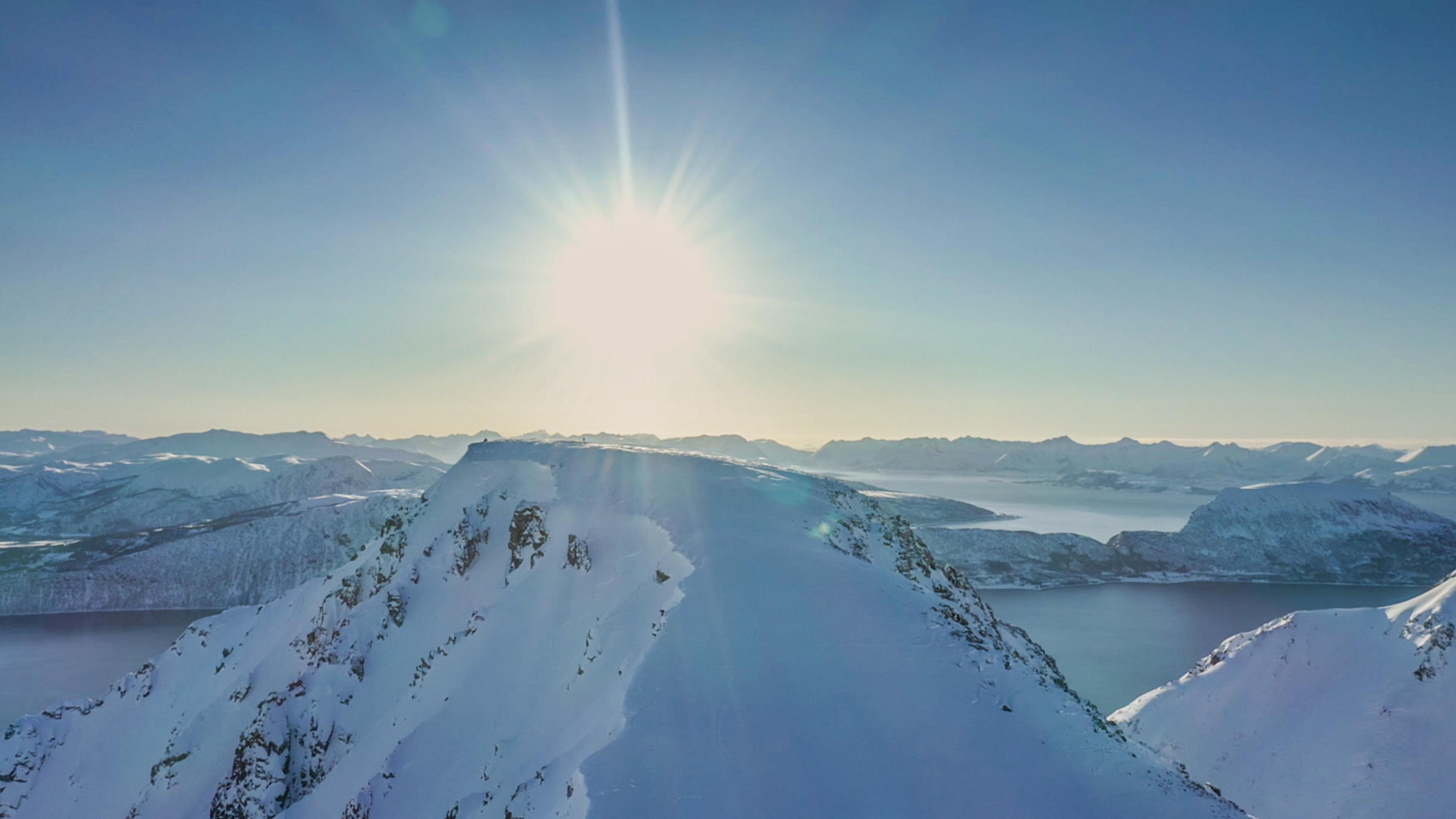 ALCHIMIE II_Grytoya Island_Mountain_Suns