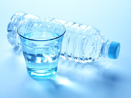 ダイエット中の水の必要性