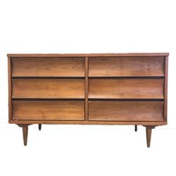 355 - Johnson Carper 6 drawer