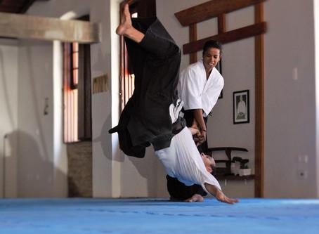 Mulheres no Aikido - Elisângela Maria   1º DAN