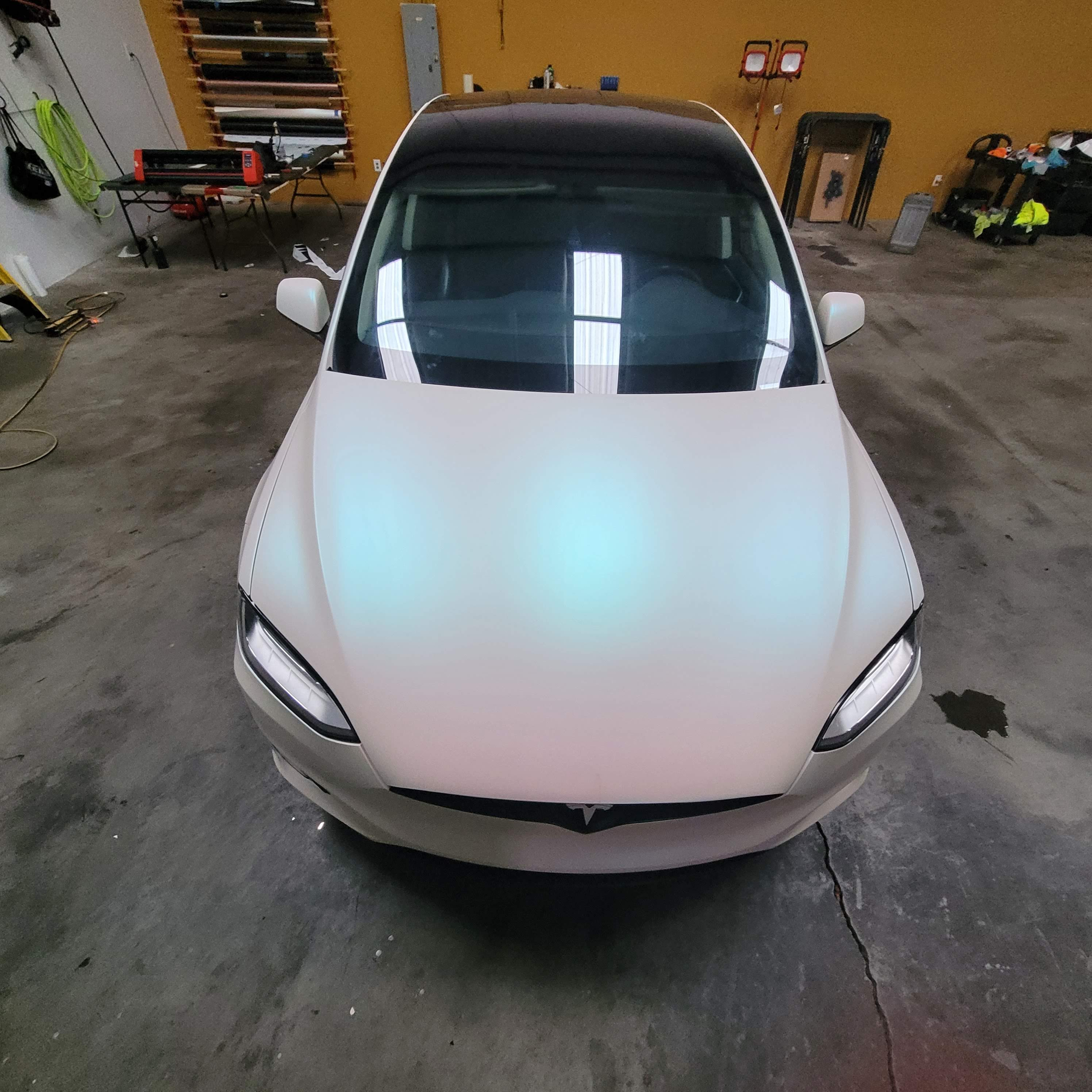 Telsa Model X Pearlescent White