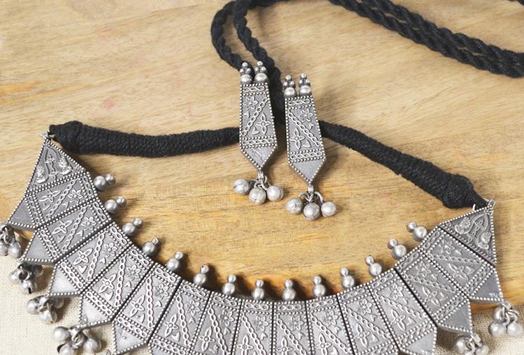 AJANTA : Premium Quality Silver Alike Choker Length Necklace Set