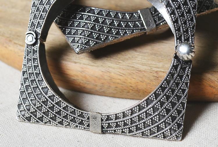 PIAZZA KANGANA - Contemporary Minimal Square Silver Look Alike Brass Bangle