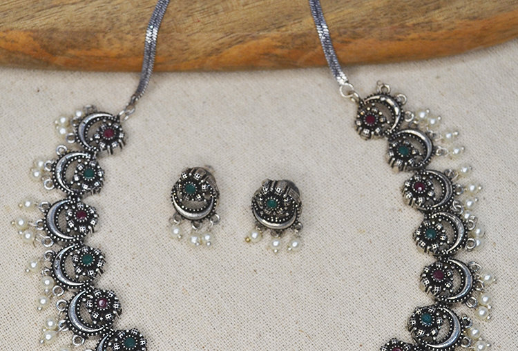 Mini Chandrakor Stone Studded Lightweight Necklace and Earrings Set