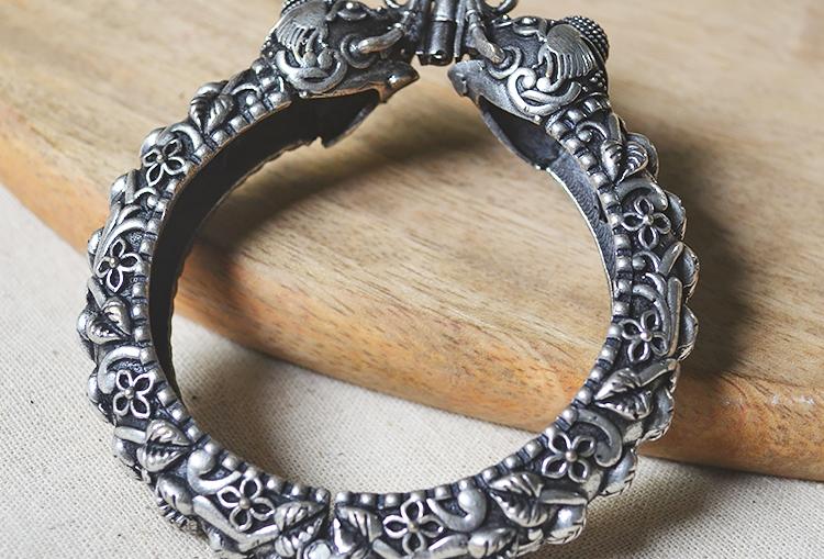 GAJAHASTI KANGANA - Elephant Motif Silver Look Alike Brass Adjustable Bangle