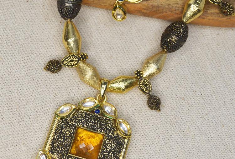 Amber Kundan and Geru Gold Polish Necklace and Earrings Set