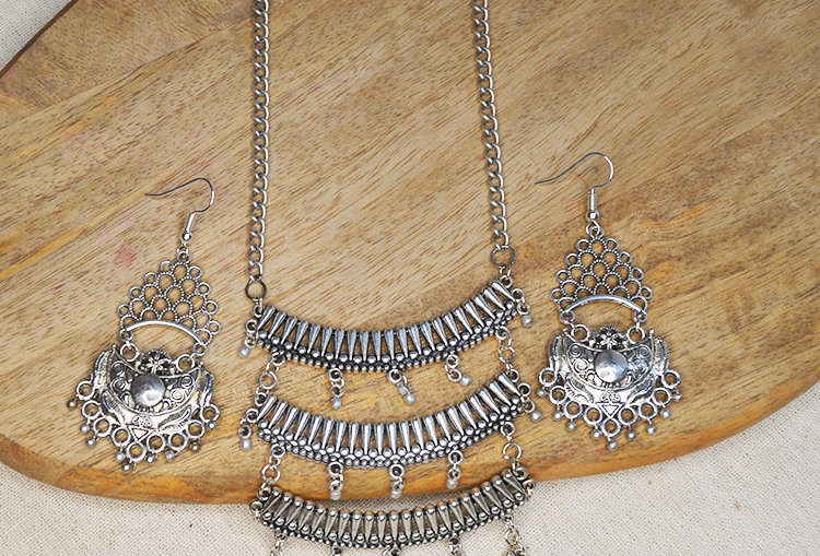 Waterfall Necklace and Earrings Set