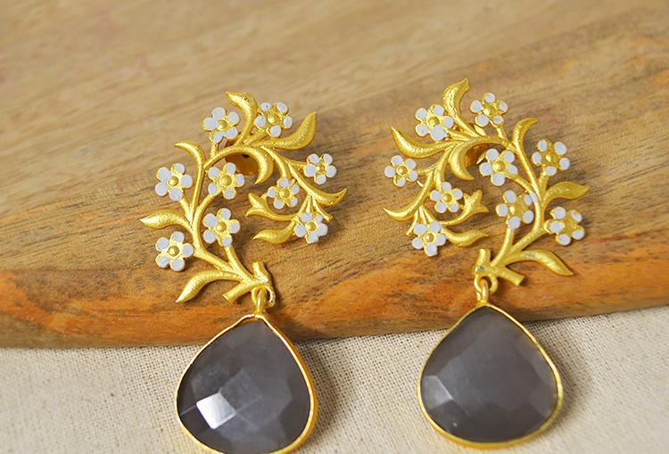 JUHI - Charcoal Stone and Enamel Flower Gold Dust Finish Earrings