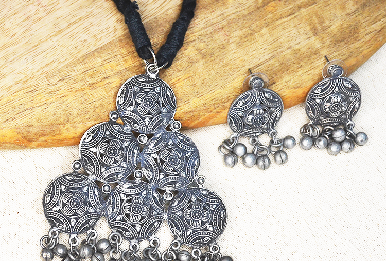 Lightweight Oxidized Necklace and Earrings Set
