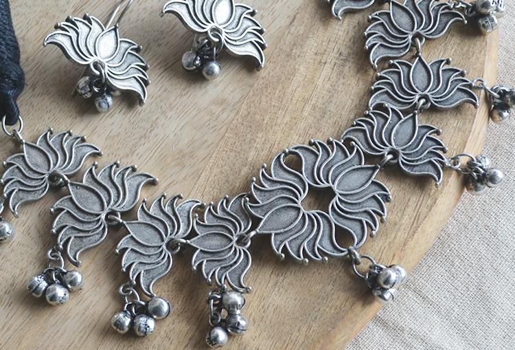 SAROJ - Silver Look Alike Lotus Necklace and Earrings Set
