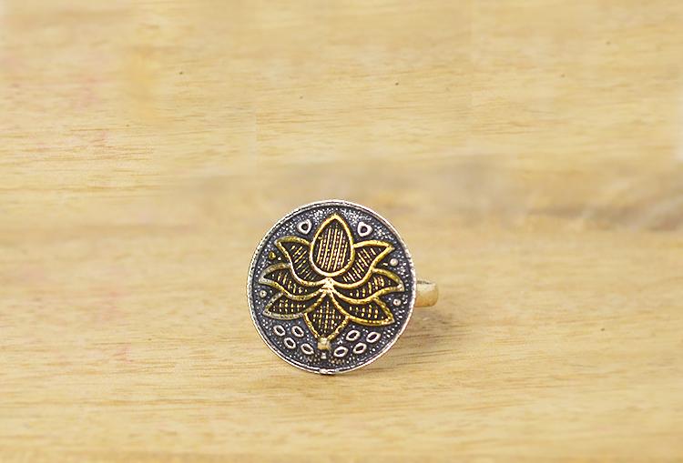 SAROJ - Lotus Dual Tone Finger Ring