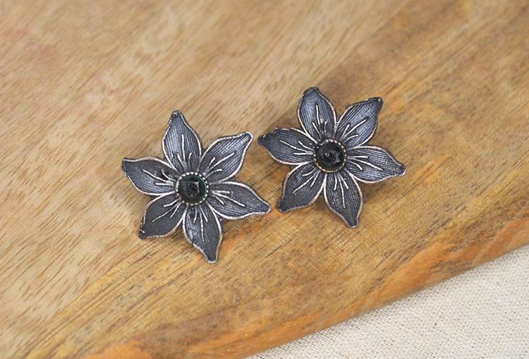 Stone Studded Flower Stud Earrings