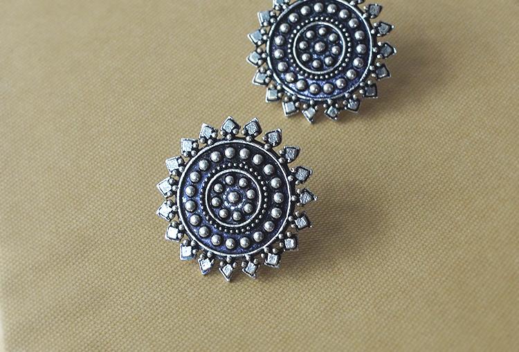 CHAKRA - Oxidized Stud Earrings