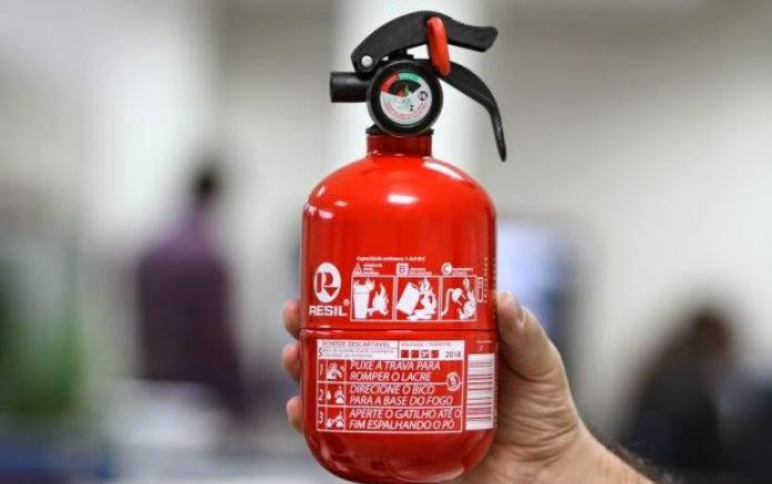 """Extintor """"ABC"""" deixa de ser obrigatório"""