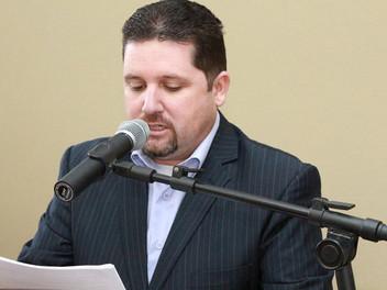 Serginho vota a favor do reajuste para servidores municipais