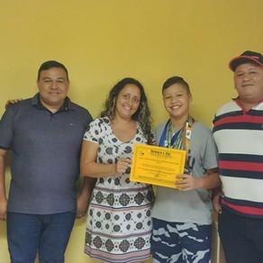 Rifa de atleta patrocinada pela Gomes e Liz premia colombense