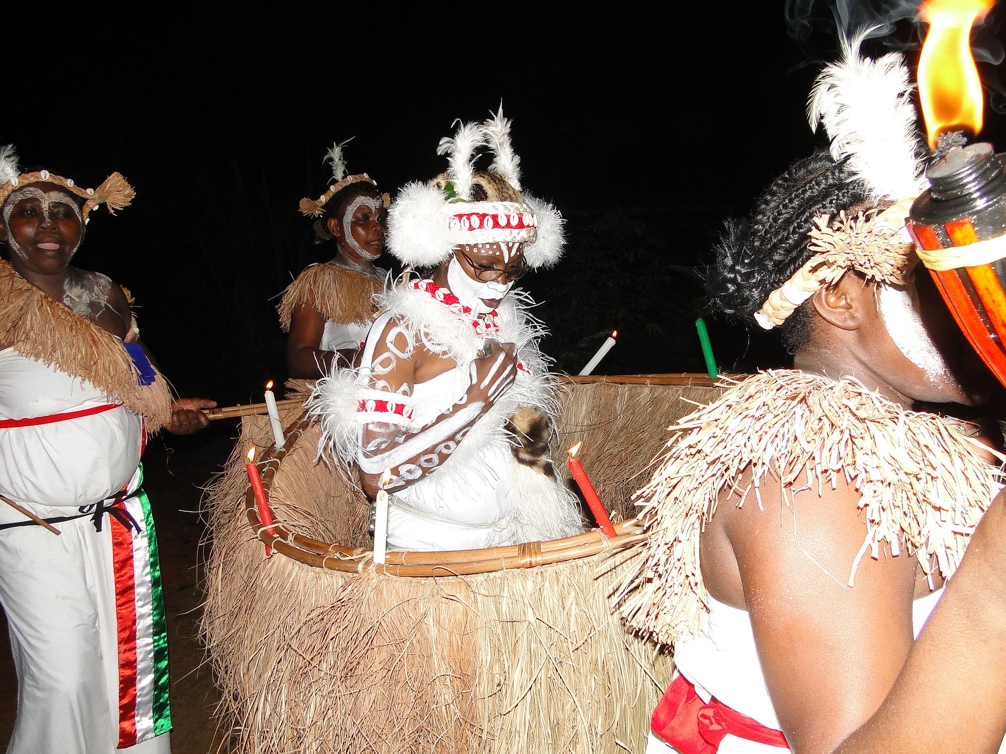 Baile tradicional Ndowé Ivanga