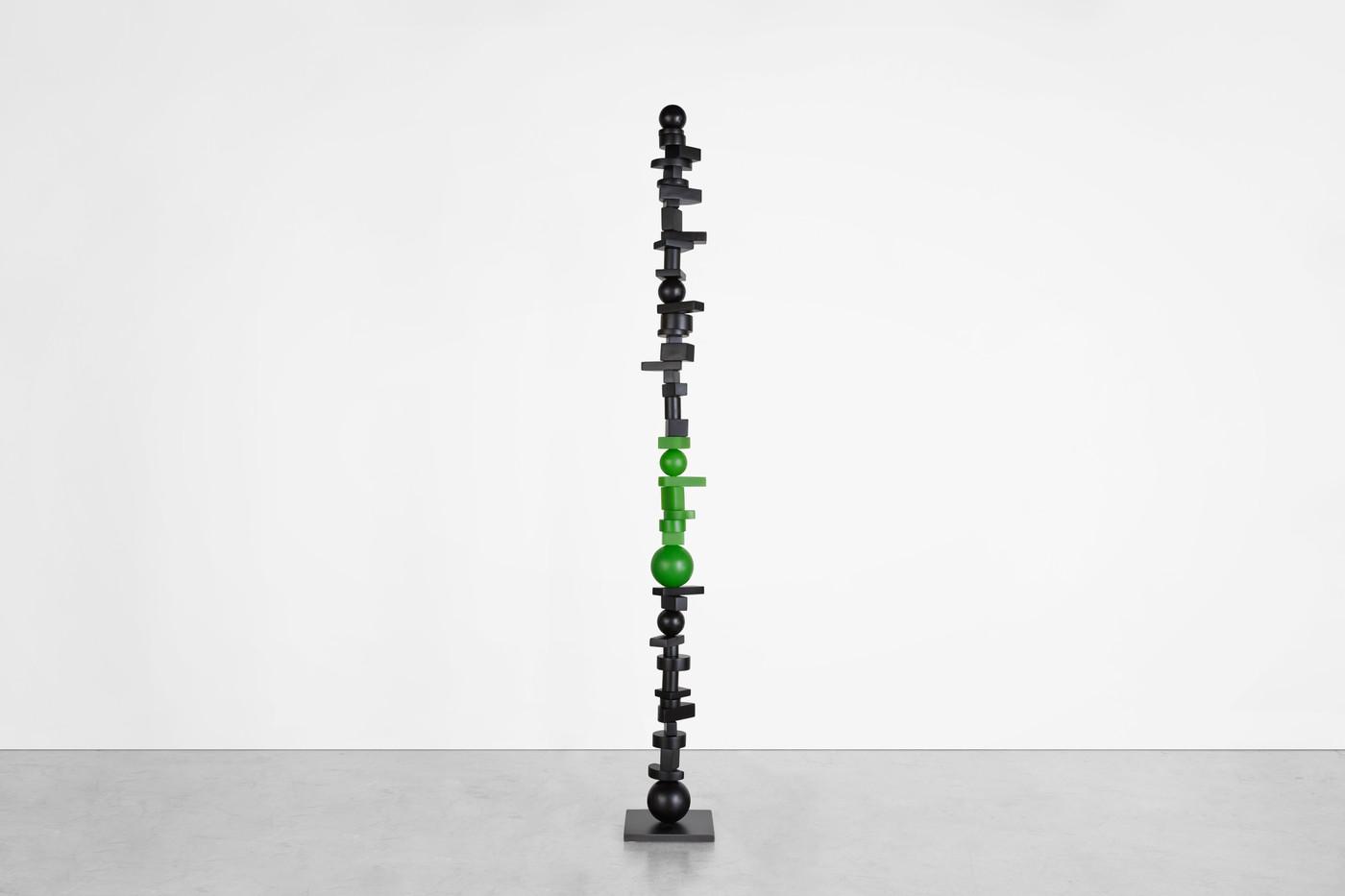 STU20r_Black and Green Totem 200312J_96x
