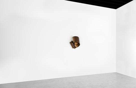 stu21r_brass-crunch-1416_23x30x14-detail
