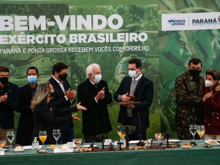 ESA: Governador apresenta estrutura paranaense para comandante do Exército