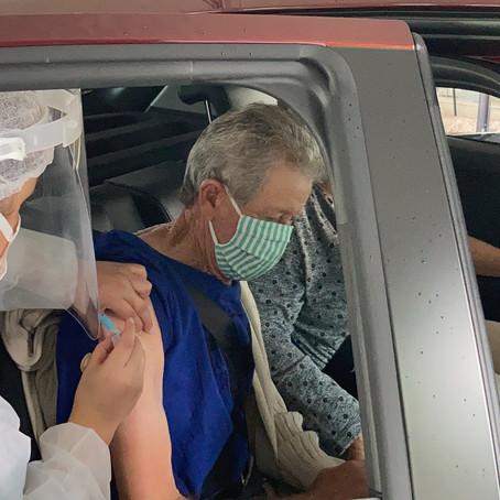 Município aplica a 2ª dose da vacina Coronavac em idosos com 79 anos ou mais