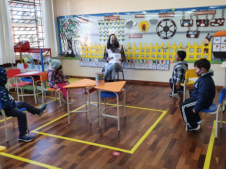 Cerca de 80% dos alunos participam das aulas de forma presencial em Ponta Grossa