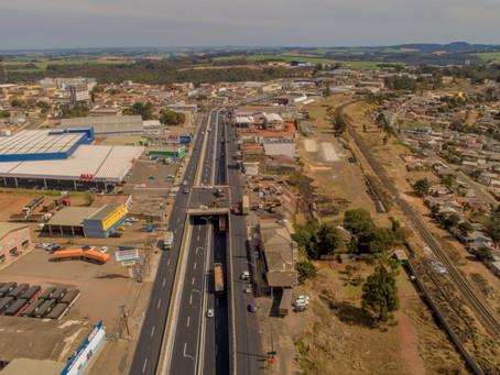 Viaduto do Sabará é inaugurado na Avenida Souza Naves, em Ponta Grossa
