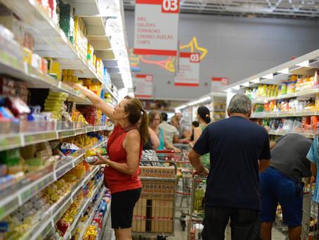 Especialista orienta como economizar diante da alta de preços de itens da cesta básica