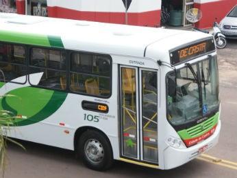 Funcionários do transporte público de Castro entram em greve