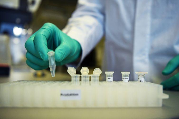 OMS registrou 169 vacinas sendo fabricadas contra a Covid-19, até o momento. Foto: Reprodução/Agência Brasil