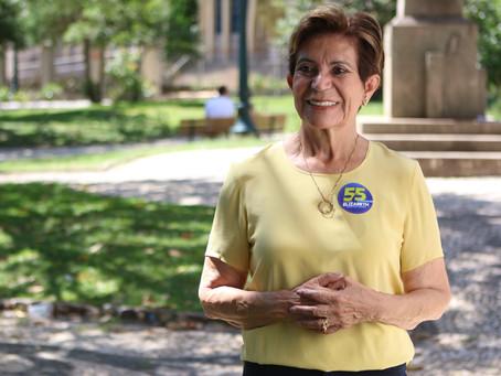 """""""Precisamos unir pessoas e assim que vamos fazer com muito diálogo"""", diz Professora Elizabeth"""