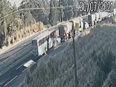 Duas pessoas morrem em acidente na PR-151, em Castro