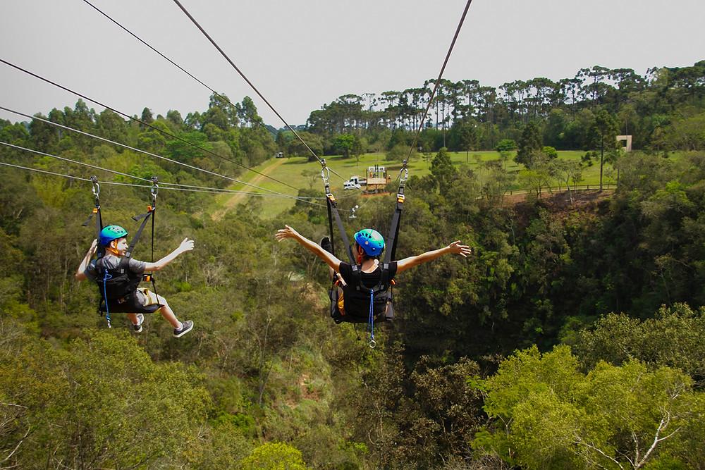 Tirolesa sobre Furna 2 é a nova atração de aventura mais procurada pelos visitantes. Foto:Divulgação