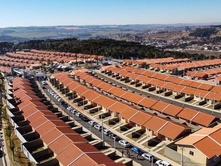 Condomínio com mais de 450 casas é inaugurado em Ponta Grossa