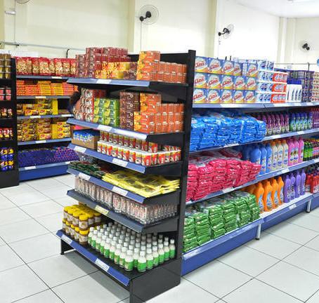 Decreto restringe circulação de pessoas em supermercados
