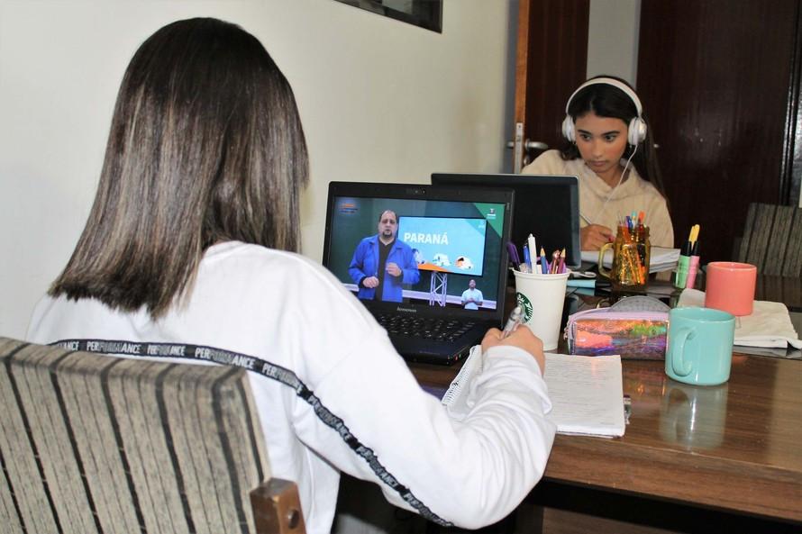 Alunos da rede estadual terão semana de revisão no Aula Paraná. Foto: Reprodução/SEED