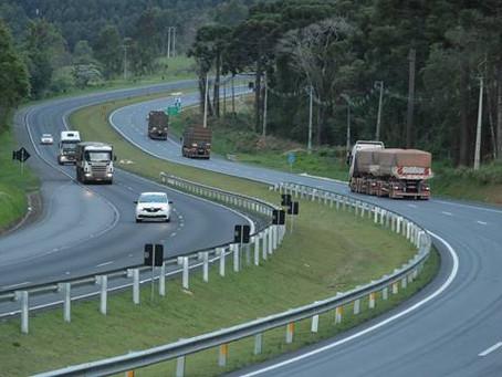 Mais de 1 milhão de veículos passaram pelas rodovias do Paraná entre Natal e Ano Novo, aponta CCR