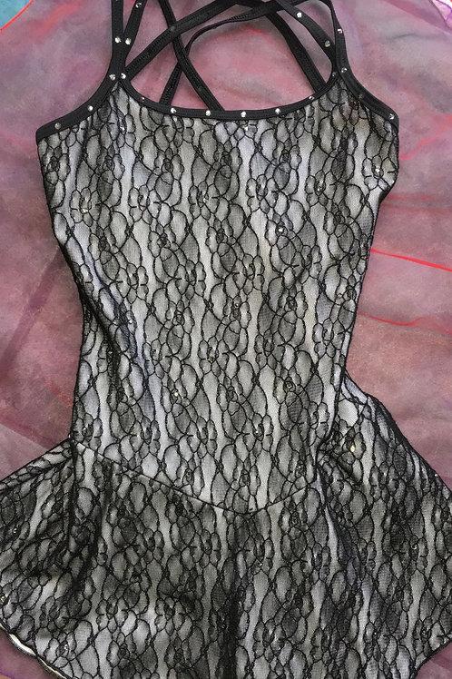 Kleid mit vielen Swarovkisteine