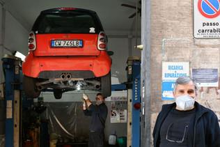 Itália em confinamento,classes trabalhadoras em sofrimento (Nadia de Mond)