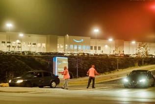 """Uma luta de """"David x Golias"""" dos trabalhadores negros contra a Amazon"""