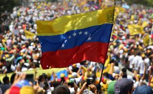 Contra a Intervenção Golpista na Venezuela: Por uma saída Democrática à Crise!